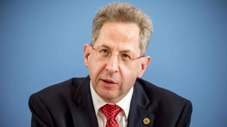 Ex-VS-Chef Hans-Georg Maaßen hat die Migrationspolitik von Merkel scharf kritisiert.