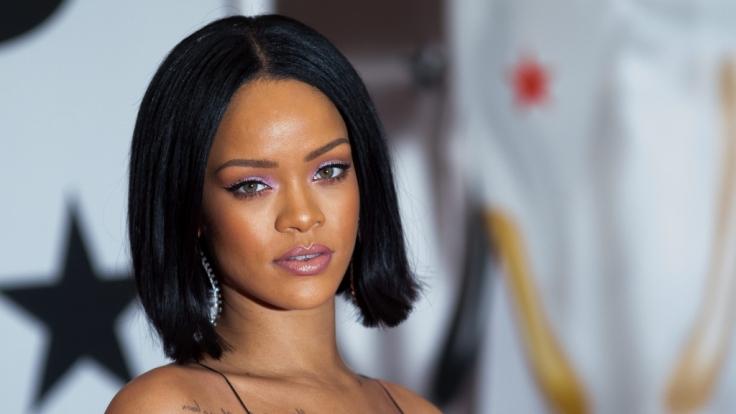 Rihanna präsentiert ihre neue Unterwäsche-Kollektion gleich selbst.