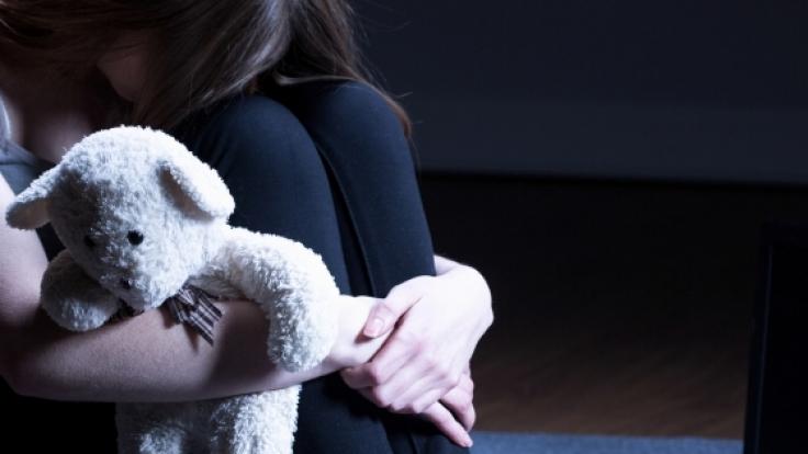 Eine 12-Jährige wurde von ihrer eigenen Mutter für Sex verkauft. (Symbolbild)
