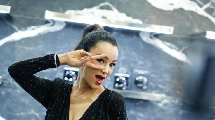 Verona Pooth zeigt im Live-TV (fast) zu viel. (Foto)