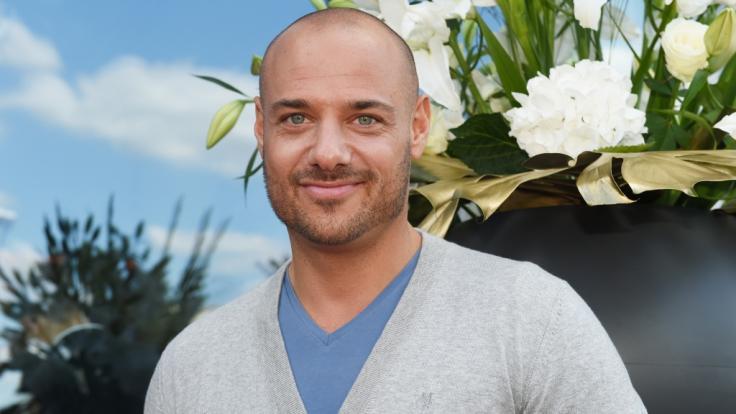 "Christian Tews ist heute auch abseits des ""Bachelors"" glücklich. (Foto)"