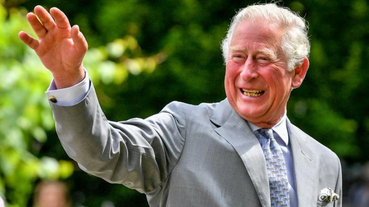 Prinz Charles zeigte sich bei seinem ersten öffentlichen Termin seit seiner Coronavirus-Erkrankung bestens gelaunt. (Foto)