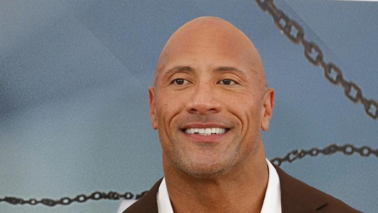 """Dwayne Johnson: """"The Rock"""" sprach nun in einem Interview über seine Kindheit und enthüllte eine überraschende Erinnerung. (Foto)"""