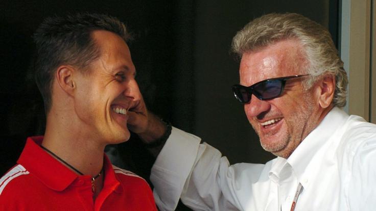 Eine alte Aufnahme zeigt Michael Schumacher und Willi Weber.