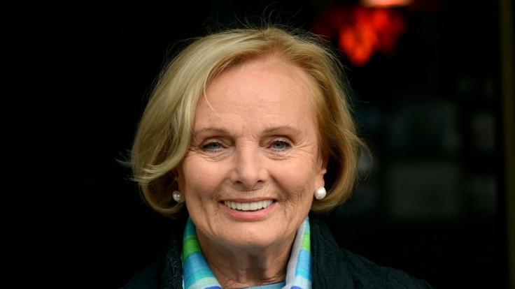 Auch mit fast 85 Jahren hat Ruth Maria Kubitschek das Lächeln nicht verlernt. (Foto)
