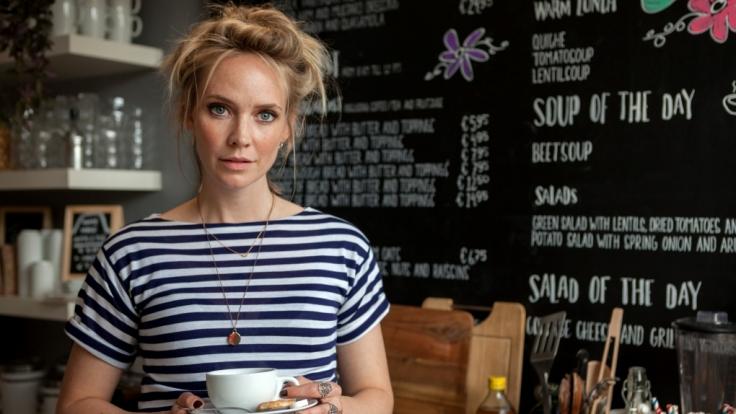 Die niederländische Schauspielerin Bracha van Doesburgh verdreht als Sophie in