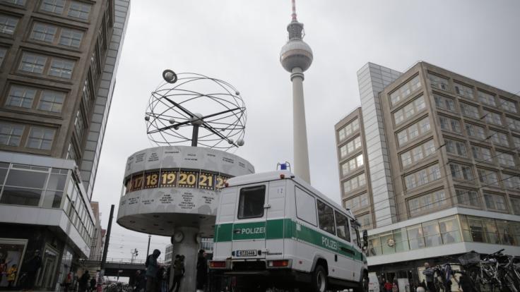 Am Berliner Alexanderplatz ist ein 26-Jähriger von einem Angreifer tödlich verletzt worden (Symbolbild).