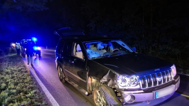Auf einer Landstraße bei Oranienburg wurde ein Radfahrer von einem Auto gerammt und tödlich verletzt. (Foto)