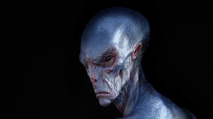 Ein Franzose lässt sich zu einem schwarzen Alien operieren. (Symbolbild) (Foto)
