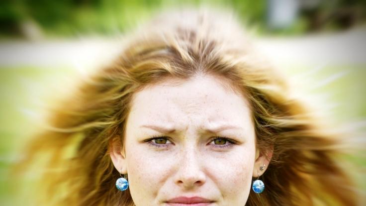 Nicht so schlimm, wie es klingt: Jeder Mensch hat Gesichtsmilben, die in den Haarwurzeln leben. (Foto)