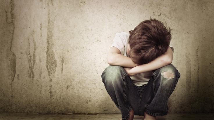 Ein kleiner autistischer Junge aus dem US-Bundesstaat Tennessee wurde von seinen eigenen Eltern misshandelt und ermordet - nun steht der Vater des Fünfjährigen vor Gericht (Symbolbild). (Foto)