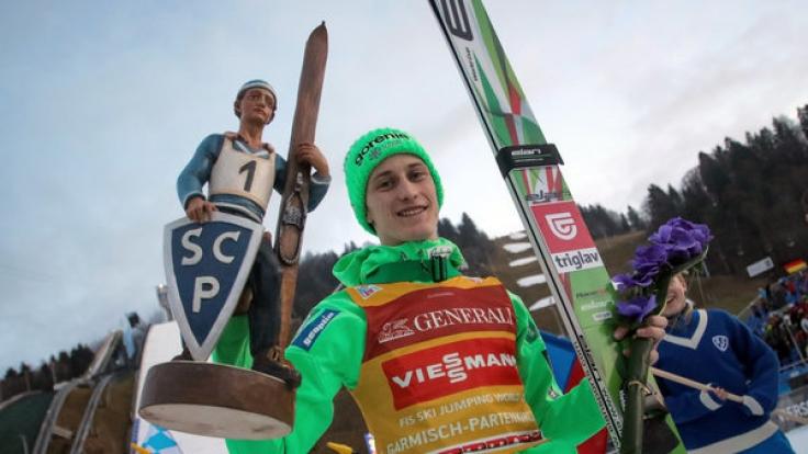 Peter Prevc aus Slowenien gewann 2016 das Neujahrspringen in Garmisch-Partenkirchen.