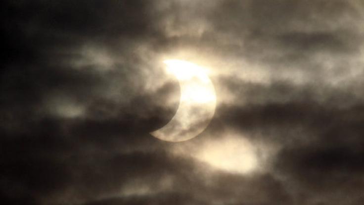 Am 20.03.2015 sieht man über Deutschland die partielle Sonnenfinsternis. (Foto)