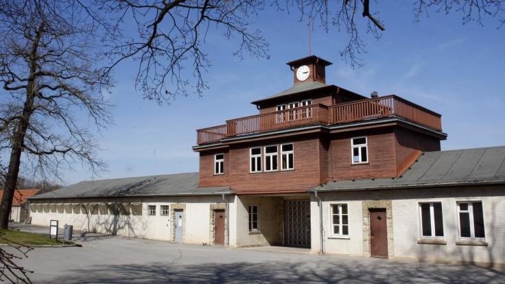 Das Eingangstor zum KZ Buchenwald. (Foto)