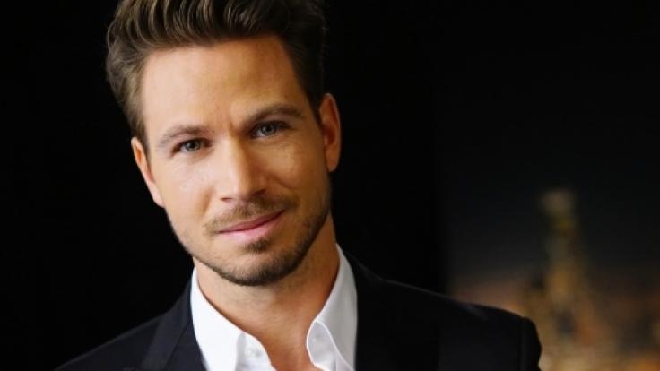 Bachelor Sebastian ist 30 Jahre alt, Inhaber einer Werbeagentur und Model.