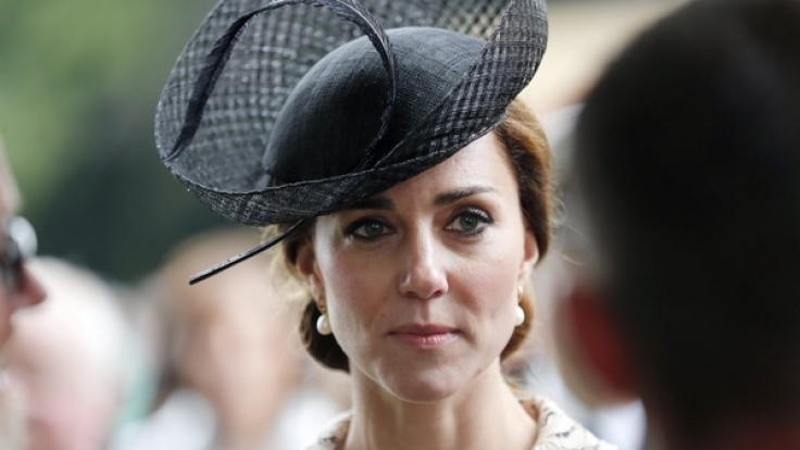 Für Herzogin Kate wird der Valentinstag 2017 eine traurige Angelegenheit - sie darf den Tag der Liebenden nämlich nicht mit ihrem Ehemann Prinz William verbringen!