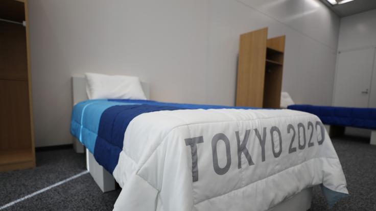 Die Athlet*innen bei Olympia 2020 müssen auf Papp-Betten schlafen. (Foto)