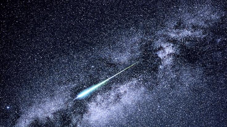 Im November können sich Astronomiefans auf die Leoniden freuen. (Foto)