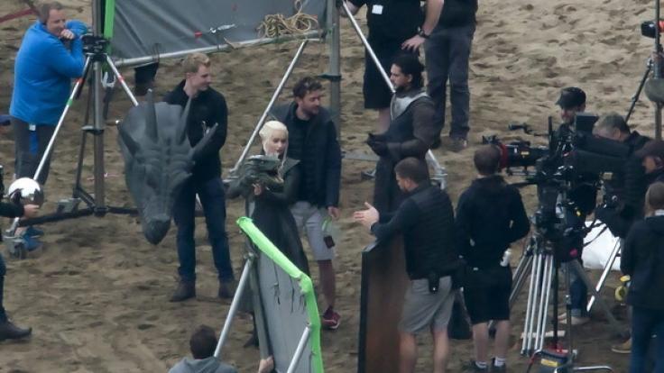 Daenerys und Jon sollen in Staffel 7 aufeinander treffen. (Foto)