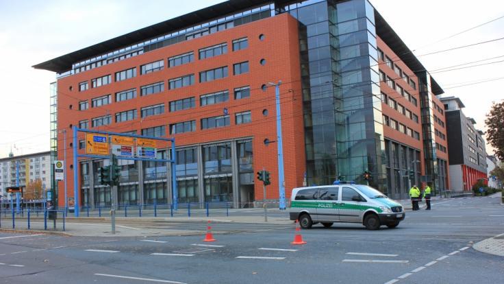 In der Chemnitzer Innenstadt musste in der Bahnhofstraße ein Gebäudekomplex nach einer Bombendrohung evakuiert werden. (Foto)