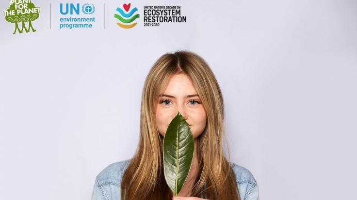 """Am """"Earth Day"""" griff Neu-Model Leni Klum zur Schaufel und tief in die Tasche, um Bäume zu pflanzen. (Foto)"""