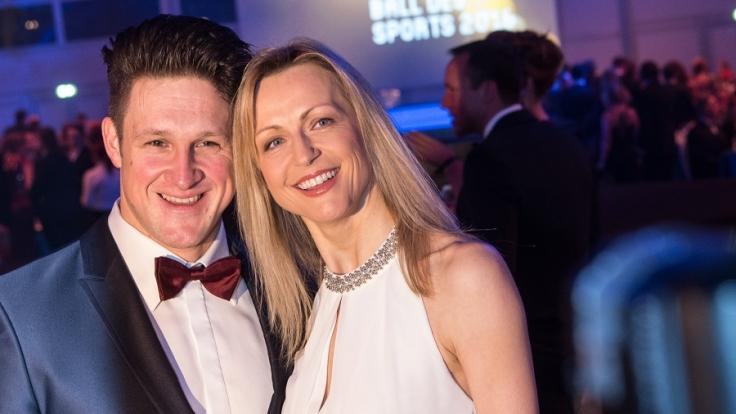 Der ehemalige Gewichtheber Matthias Steiner und seine Frau Inge. (Foto)
