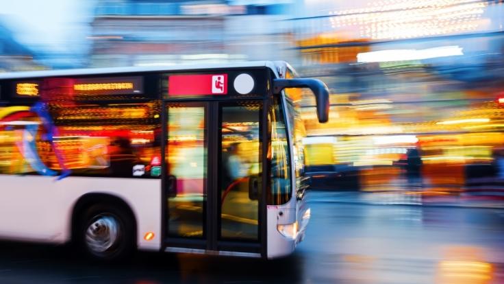 Der Bus Mit Den Leuten Die Das Interessiert
