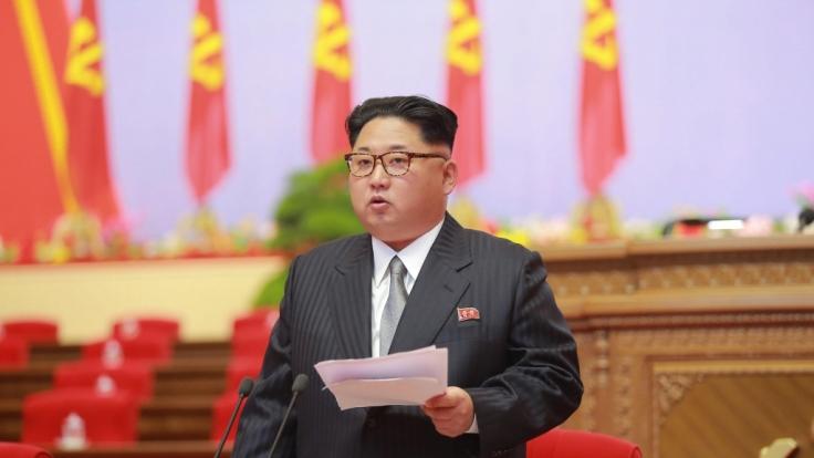 Kim Jong-un lebt luxuriös, während sein Volk hungert. (Foto)