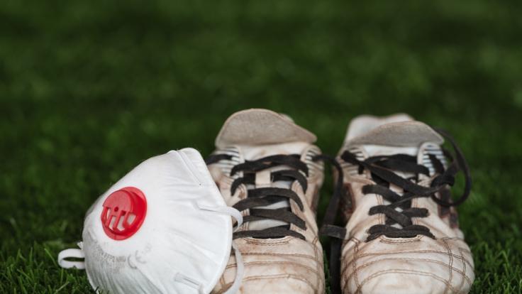Wissenschaftlern zufolge, können auch Schuhe das Coronavirus weiterverbreiten. (Foto)
