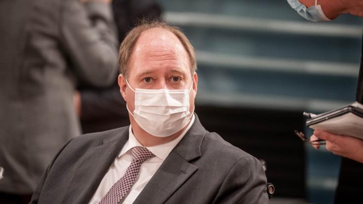 """Kanzleramtschef Helge Braun zeichnete bei """"Anne Will"""" in der ARD eine düstere Prognose zur Ausbreitung der Coronavirus-Mutationen in Deutschland - und räumte Lockdown-Versäumnisse ein. (Foto)"""