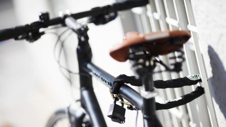 Stiftung Warentest hat 20 Fahrradschlösser genauer unter die Lupe genommen.