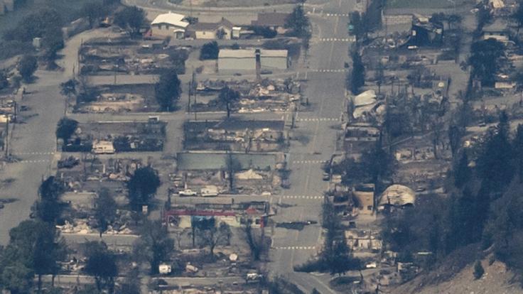 Nach dem Feuer sind fast nur noch zerstörte Gebäude von Lytton, British Columbia, übrig geblieben. (Foto)