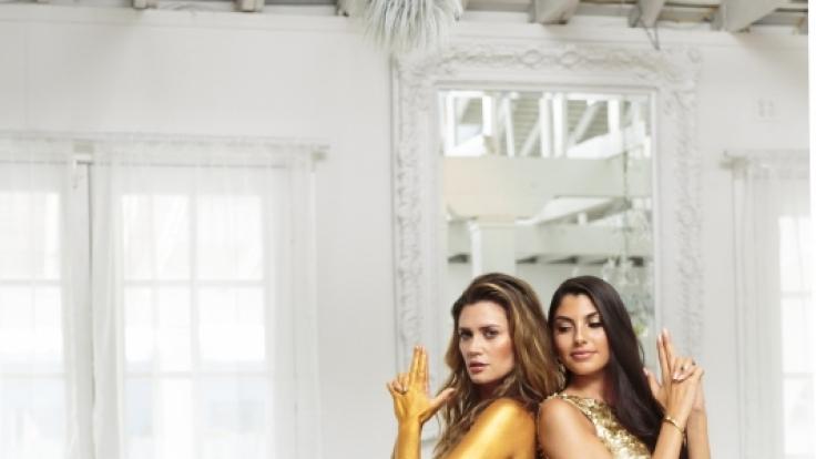 """Das Fotoshooting von Daniel, Nadine und Yeliz (v.l.) beschäftigt sich ganz mit dem Thema """"James Bond"""". (Foto)"""