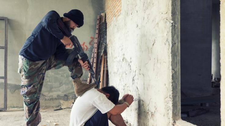 Ein 41-Jähriger aus dem Jemen wurde für die Vergewaltigung und den Mord an einer Dreijährigen öffentlich mit einem Maschinengewehr hingerichtet (Symbolbild). (Foto)