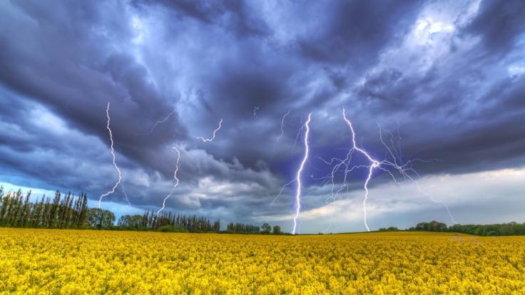 An den kommenden Tagen müsse in einigen Regionen mit heftigen Gewittern gerechnet werden. (Foto)
