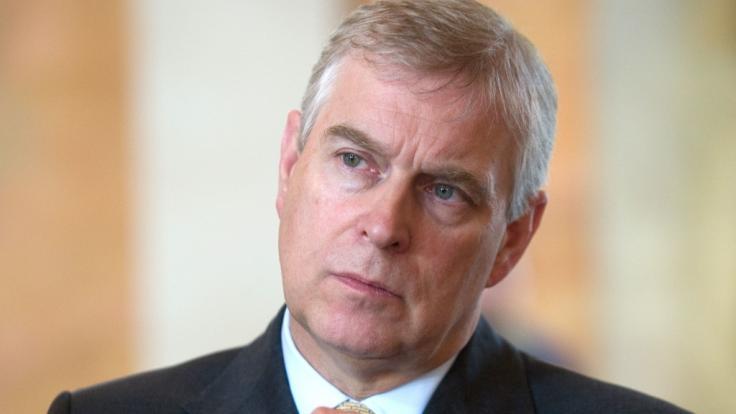 Prinz Andrew von Großbritannien streitet Verwicklung in Epstein-Skandal ab (Foto)
