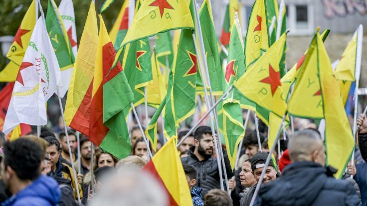 In Hamburg wurde bereits am 12.10.2019 gegen den Einmarschtürkischer Truppen in syrische Kurdengebieten demonstriert. (Foto)