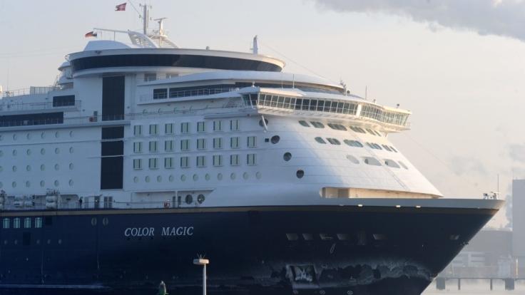 """Ein Mann ist von der """"Color Magic"""" zwischen Oslo und Kiel ins Meer gestürzt. (Foto)"""