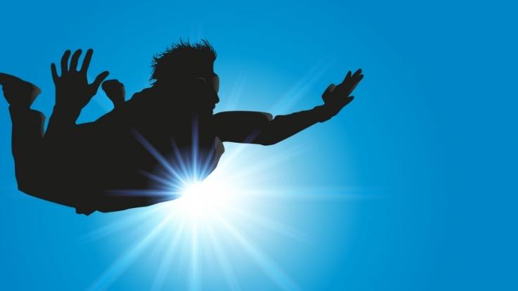"""""""Banzai Skydiving"""" nennt sich der lebensgefährliche Sport, bei dem man seinem eigenen Fallschirm hinterher springt. (Foto)"""