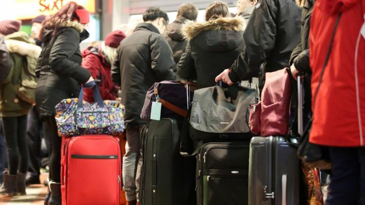 Die Entschärfung einer Fliegerbombe in Berlin führt zu Behinderungen im Bahnverkehr.