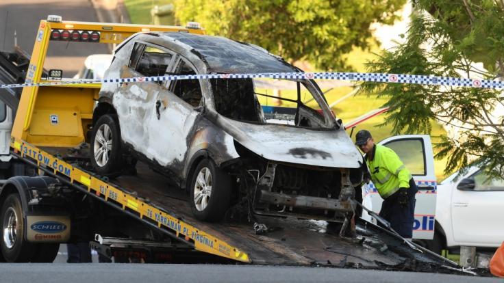 In diesem ausgebrannten Pkw starb eine fünfköpfige Familie in Australien. Die schwerverletzte Mutter der drei toten Kinder erlag ihren Verletzungen im Krankenhaus.