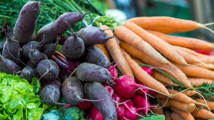 Auf das frische Gemüse in einem Walmart erleichterte sich die Frau. (Symbolbild) (Foto)