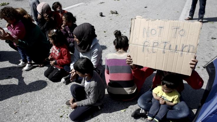 Auf die Flüchtlingskrise reagieren besorgte Bürger mit Wut - aus Angst.