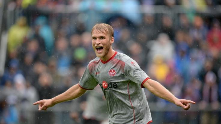 Sebastian Andersson von Kaiserslautern steht in der englischen Woche der 2. Fußball-Bundesliga mit seinem Team gegen den FC Erzgebirge Aue auf dem Platz. (Foto)
