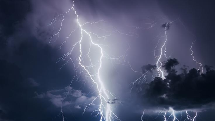 In Sachsen-Anhalt wurde am Wochenende ein Mann vom Blitz erschlagen. (Foto)