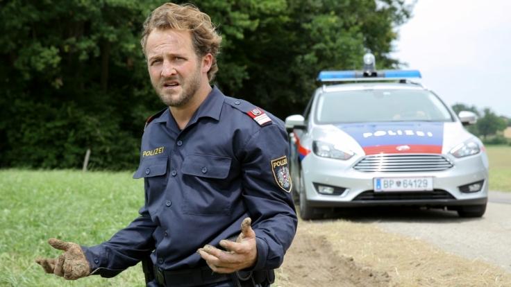Ein einziger Moment der Schwäche bringt Polizeiinspektor Hannes Bucher (Maximilian Brückner) in Teufels Küche. (Foto)