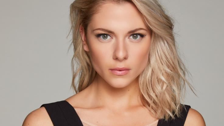 Valentina Pahde spielt Sunny Richter. (Foto)