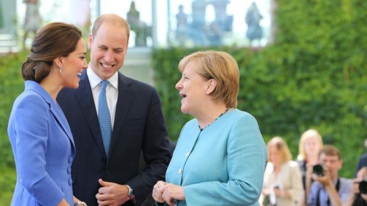 Kanzlerin Merkel hat Prinz William und Herzogin Kate empfangen.