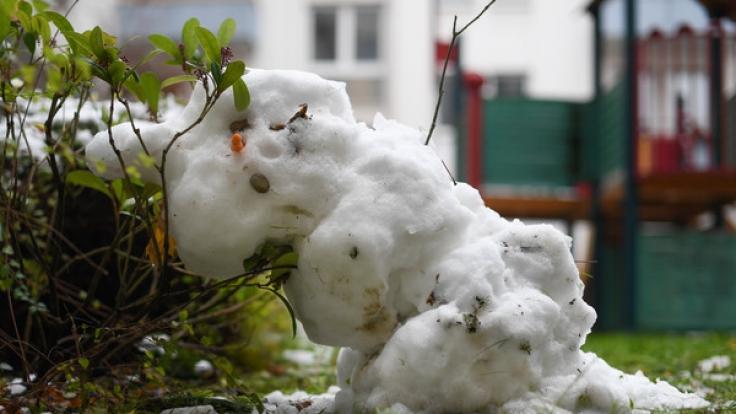 Mit dem Schneemann bauen will es diese Woche nicht so recht klappen.