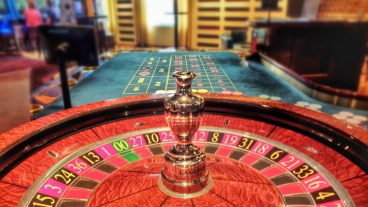 Kinder dürfen reine Glücksspielstätten gar nicht erst betreten.